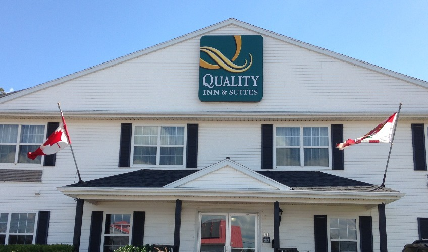 Quality Inn & Suites Cornwall