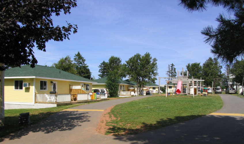 Shining Waters Country Inn & Cottages