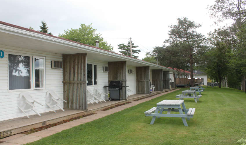 Riverhouse Inn & Cottages