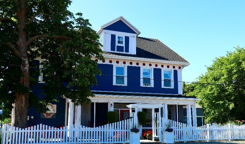 Georgetown Historic Inn - Stay, Dine and Play