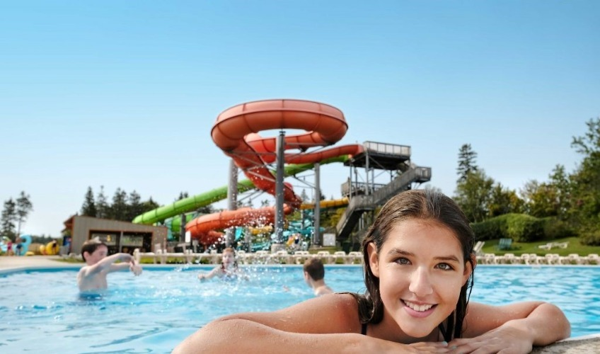 2 Theme Park Package From $689 for July 8-29 or Aug 22-28