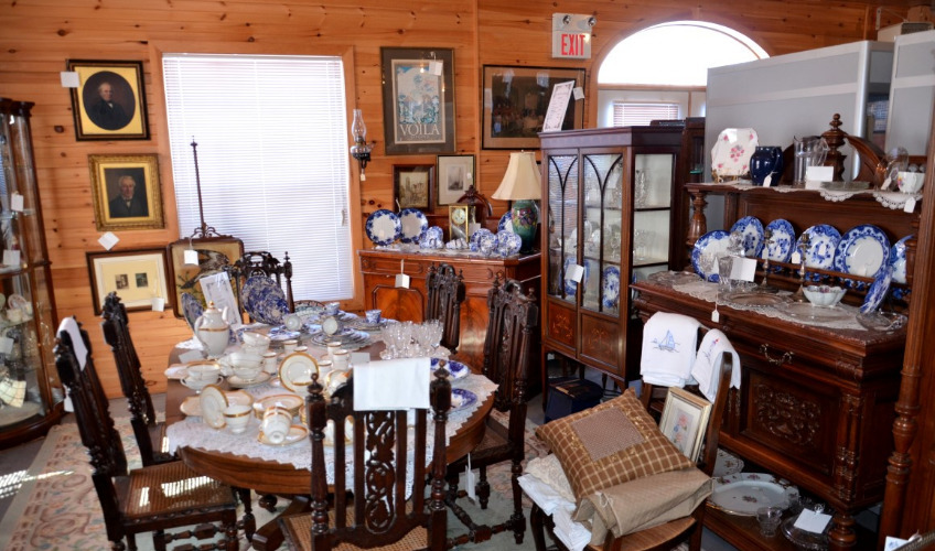 Tole Treasures & Antiques