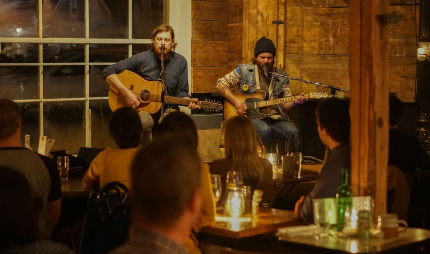 Trailside Music Café & Inn
