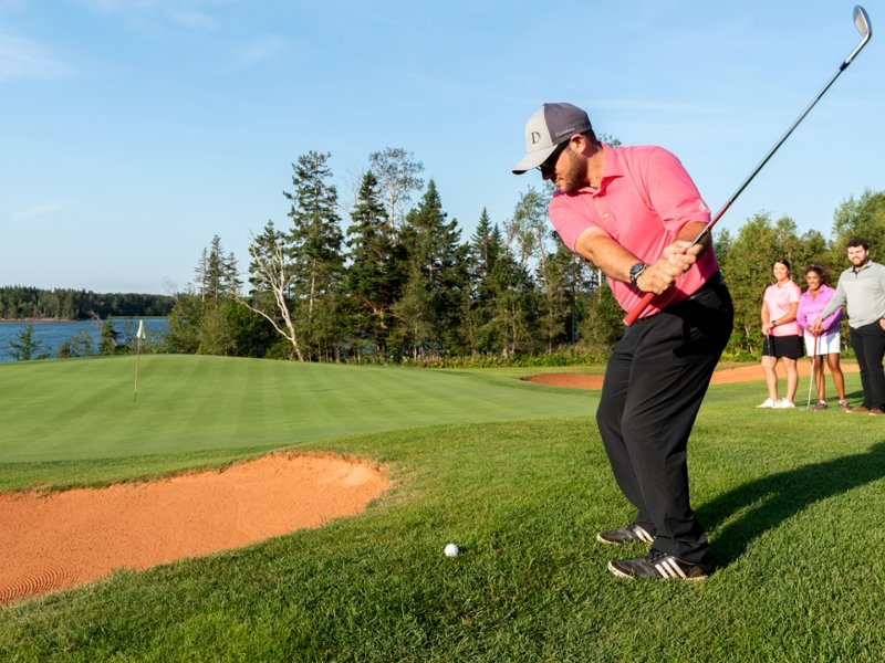Golf Dundarave, golfer, sand, group